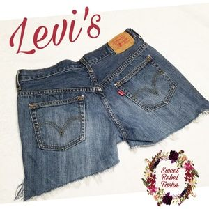 Distressed Vintage 515 Levi's cutoff shorts size 6